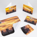 Mousepad con confezione cartoncino personalizzato + busta in pvc trasparente