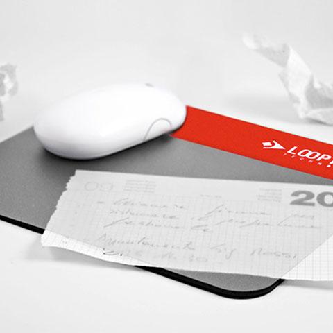 Tappetino mouse portadocumenti aggiornabile presonalizzabile