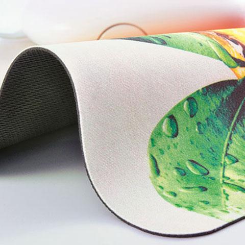 Mouse pad morbido arrotolabile