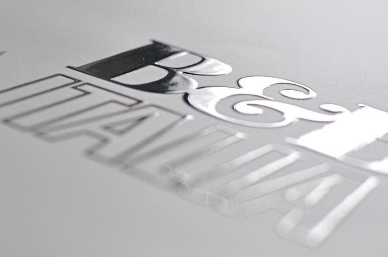 Stampa serigrafica UV spessorata su prestampati