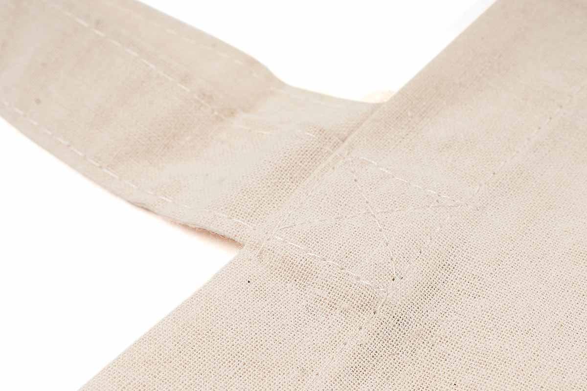 Resistente con bordi cuciti